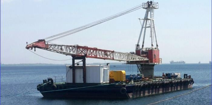 100-tonne Floating Crane